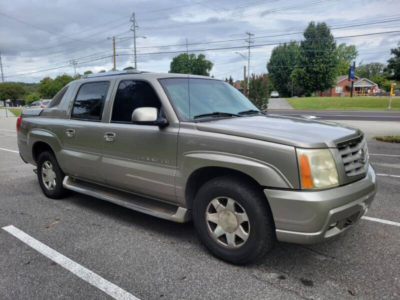 2002 Cadillac Escalade EXT for sale at Thompson Auto Sales Inc in Knoxville TN