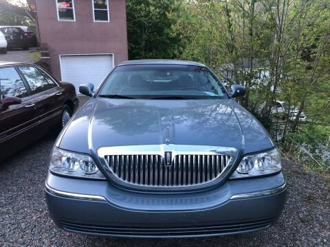 2004 Lincoln Town Car for sale at R C MOTORS in Vilas NC