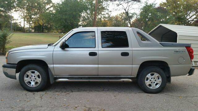 2004 Chevrolet Avalanche for sale at AFFORDABLE DISCOUNT AUTO in Humboldt TN