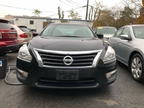 2015 Nissan Altima for sale at OFIER AUTO SALES in Freeport NY