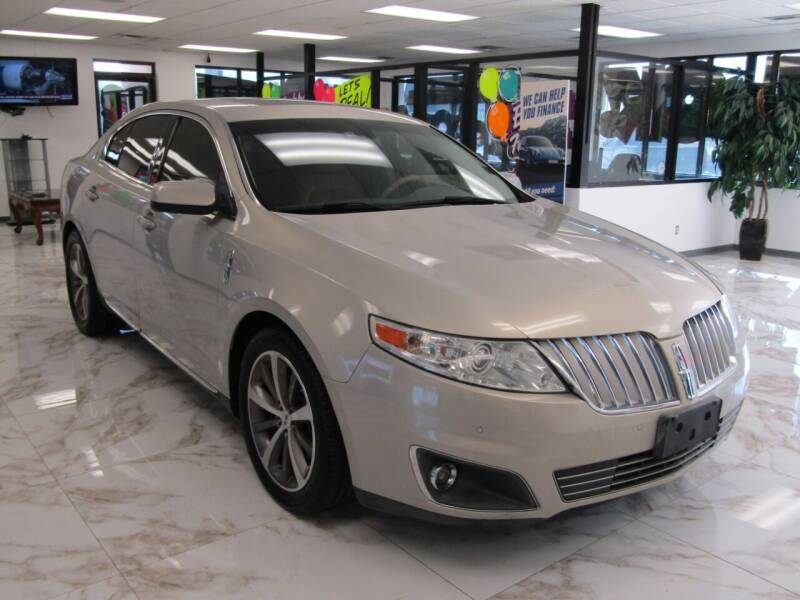 2009 Lincoln MKS for sale at Dealer One Auto Credit in Oklahoma City OK