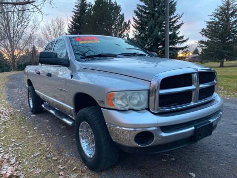 2004 Dodge Ram Pickup 1500 for sale at BELOW BOOK AUTO SALES in Idaho Falls ID