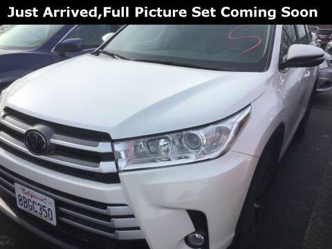 2018 Toyota Highlander for sale at Royal Moore Custom Finance in Hillsboro OR