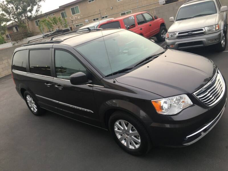 2015 Chrysler Town and Country for sale at American Wholesalers in Huntington Beach CA