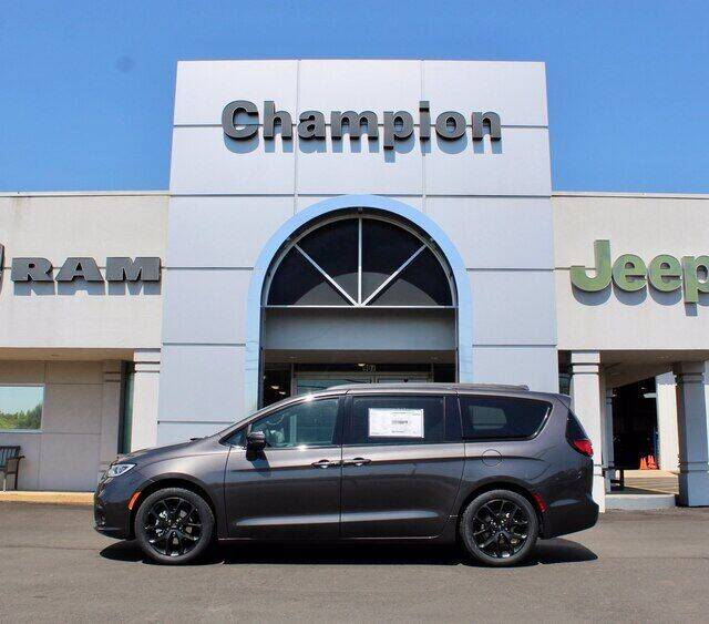 2021 Chrysler Pacifica for sale at Champion Chevrolet in Athens AL