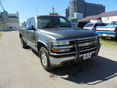 2002 Chevrolet Silverado 1500 for sale at J & S Auto Sales in Thompson ND
