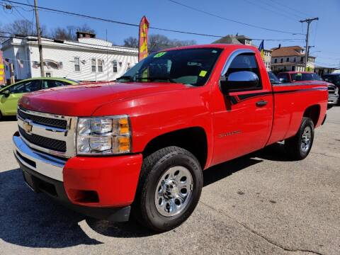 2013 Chevrolet Silverado 1500 for sale at Porcelli Auto Sales in West Warwick RI
