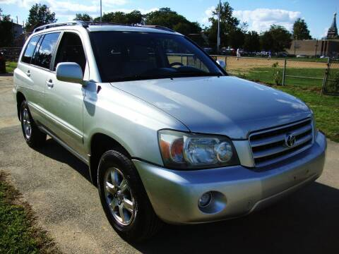 2004 Toyota Highlander for sale at Discount Auto Sales in Passaic NJ