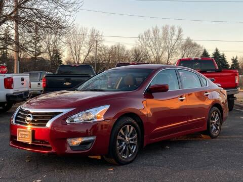 2015 Nissan Altima for sale at North Imports LLC in Burnsville MN