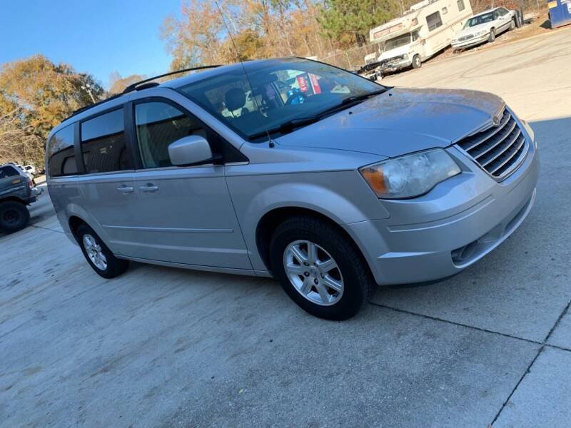 2008 Chrysler Town and Country for sale at Dalia Motors LLC in Winder GA
