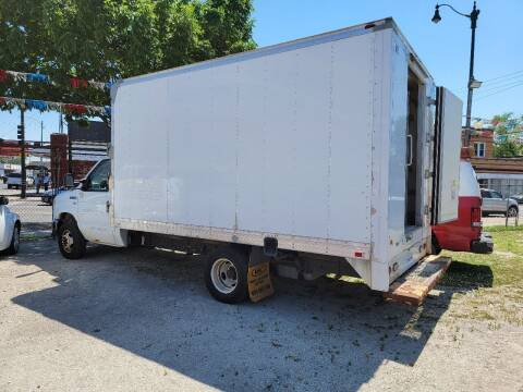 2013 Ford E-Series Chassis for sale at SAM'S AUTO SALES in Chicago IL