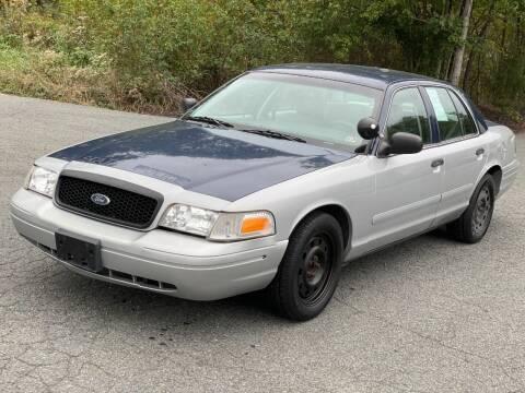 2005 Ford Crown Victoria for sale at ECONO AUTO INC in Spotsylvania VA