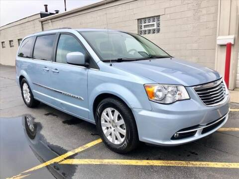 2013 Chrysler Town and Country for sale at Richardson Sales & Service in Highland IN