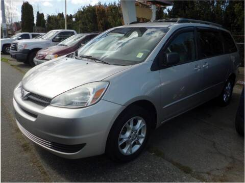 2004 Toyota Sienna for sale at Klean Carz in Seattle WA