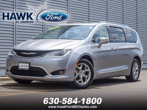 2018 Chrysler Pacifica for sale at Hawk Ford of St. Charles in St Charles IL