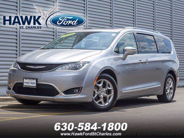 2018 Chrysler Pacifica for sale at Hawk Ford of St. Charles in Saint Charles IL