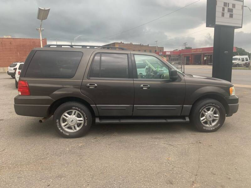 2006 Ford Expedition for sale at LINDER'S AUTO SALES in Gastonia NC