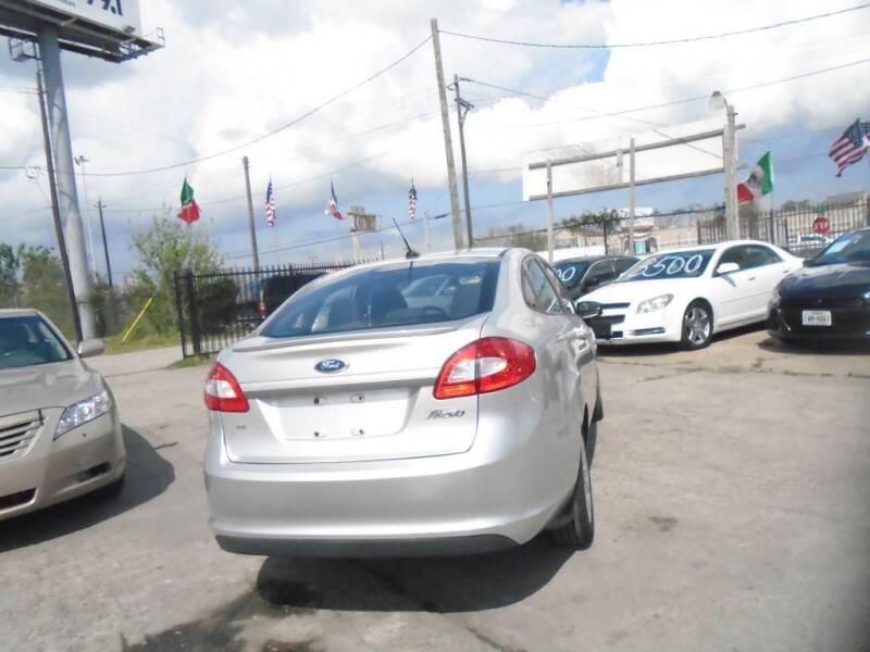 2012 Ford Fiesta SE 4dr Sedan - Houston TX
