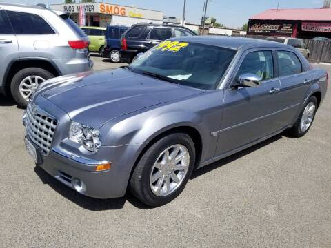 2006 Chrysler 300 for sale at Showcase Luxury Cars II in Pinedale CA