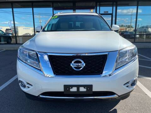 2015 Nissan Pathfinder for sale at DRIVEhereNOW.com in Greenville NC