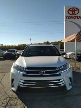 2018 Toyota Highlander for sale at Quality Toyota in Independence KS