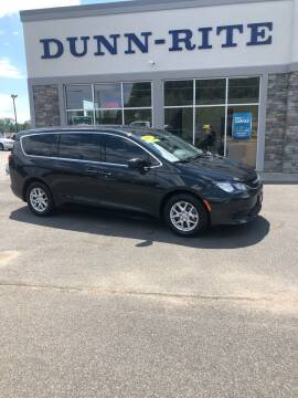2017 Chrysler Pacifica for sale at Dunn-Rite Auto Group in Kilmarnock VA
