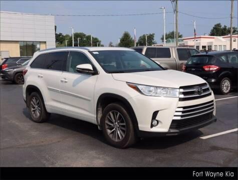 2017 Toyota Highlander for sale at BOB ROHRMAN FORT WAYNE TOYOTA in Fort Wayne IN