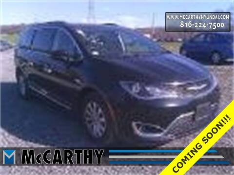 2017 Chrysler Pacifica for sale at Mr. KC Cars - McCarthy Hyundai in Blue Springs MO