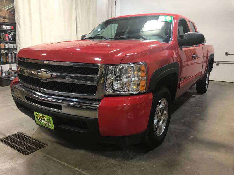 2009 Chevrolet Silverado 1500 for sale at Frogs Auto Sales in Clinton IA