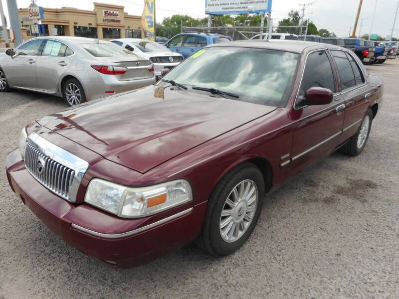 2010 Mercury Grand Marquis for sale at AUGE'S SALES AND SERVICE in Belen NM