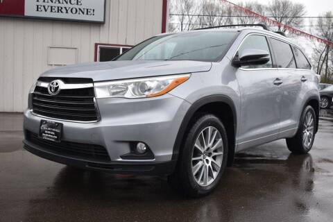 2016 Toyota Highlander for sale at Dealswithwheels in Inver Grove Heights MN