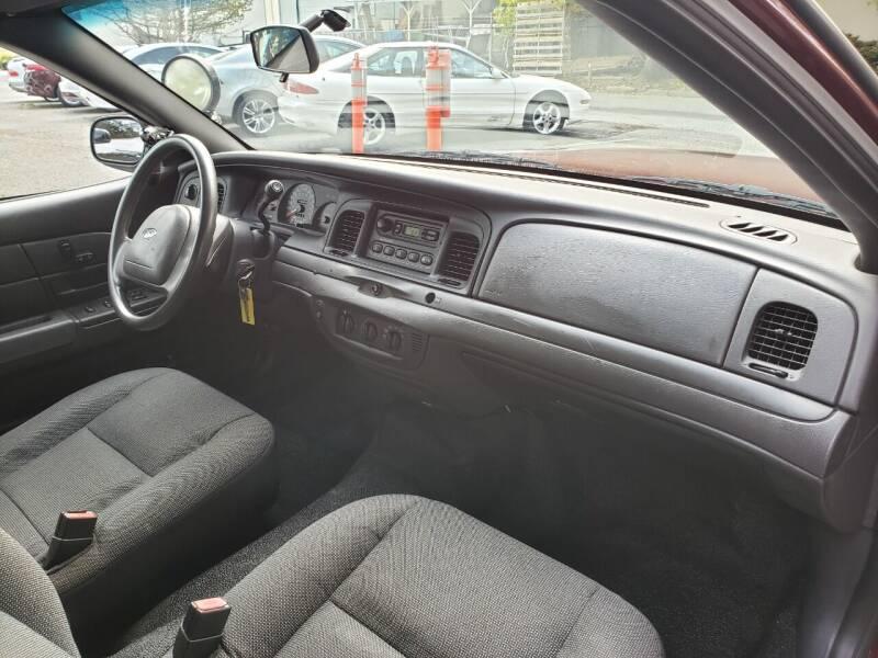 2004 Ford Crown Victoria Police Interceptor 4dr Sedan (3.27 Axle) - Kirkland WA