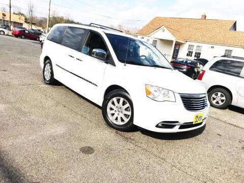 2012 Chrysler Town and Country for sale at New Wave Auto of Vineland in Vineland NJ