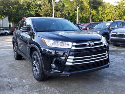 2017 Toyota Highlander for sale at Selecauto LLC in Miami FL