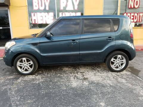 2011 Kia Soul for sale at BSS AUTO SALES INC in Eustis FL