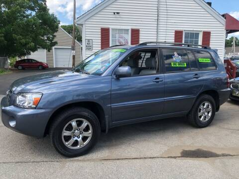 2005 Toyota Highlander for sale at Crown Auto Sales in Abington MA