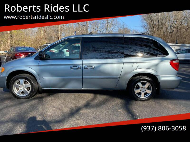 2005 Dodge Grand Caravan for sale at Roberts Rides LLC in Franklin OH