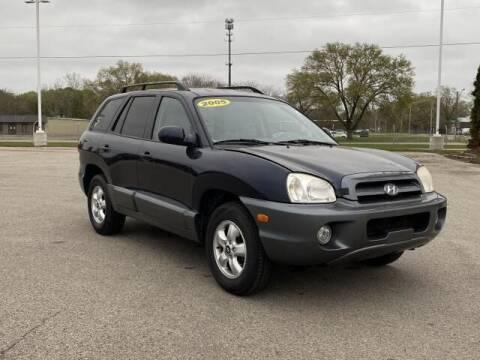 2005 Hyundai Santa Fe for sale at Betten Baker Preowned Center in Twin Lake MI