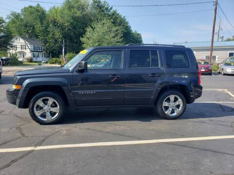 2014 Jeep Patriot for sale at Healey Auto in Rochester NH