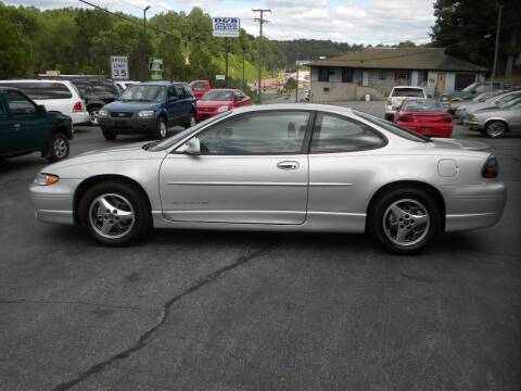 2001 Pontiac Grand Prix for sale at D & B Auto Sales & Service in Martinsville VA