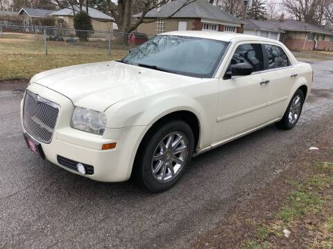2005 Chrysler 300 for sale at JE Auto Sales LLC in Indianapolis IN