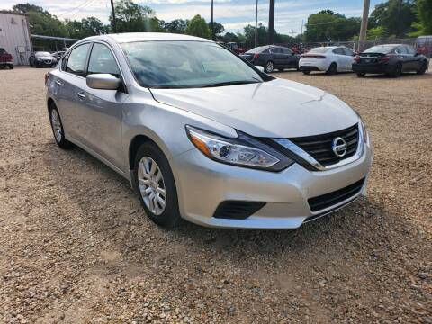 2018 Nissan Altima for sale at Community Auto Specialist in Gonzales LA