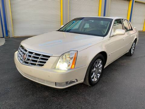 2008 Cadillac DTS for sale at RoMicco Cars and Trucks in Tampa FL