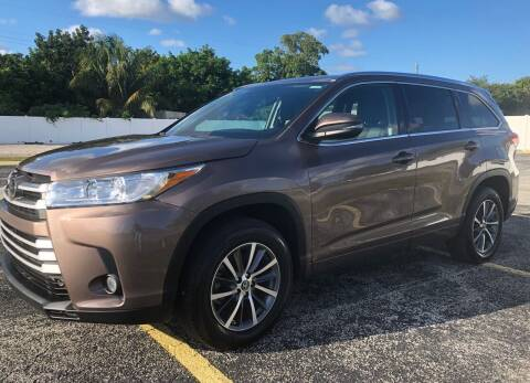 2018 Toyota Highlander for sale at Guru Auto Sales in Miramar FL