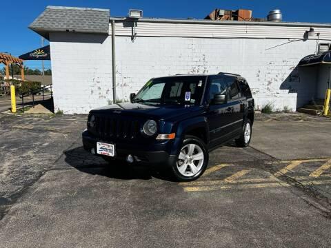 2014 Jeep Patriot for sale at Santa Motors Inc in Rochester NY