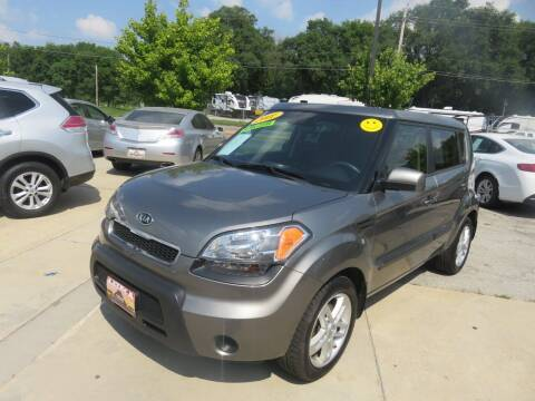 2011 Kia Soul for sale at Azteca Auto Sales LLC in Des Moines IA