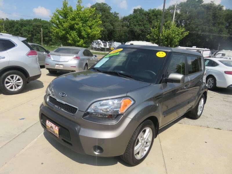 2011 Kia Soul for sale at Azteca Auto Sales LLC in Des Moines IA