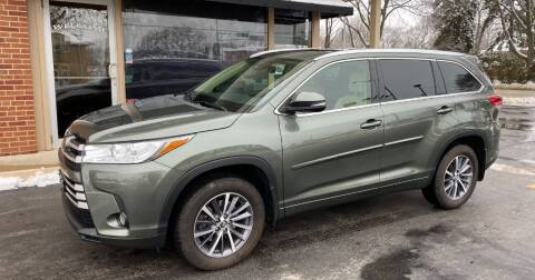 2017 Toyota Highlander for sale at D'Acquisto Motors in Racine WI