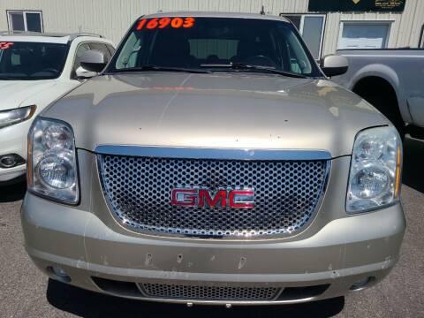 2013 GMC Yukon XL for sale at BELOW BOOK AUTO SALES in Idaho Falls ID