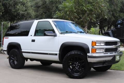 1999 Chevrolet Tahoe for sale at SELECT JEEPS INC in League City TX